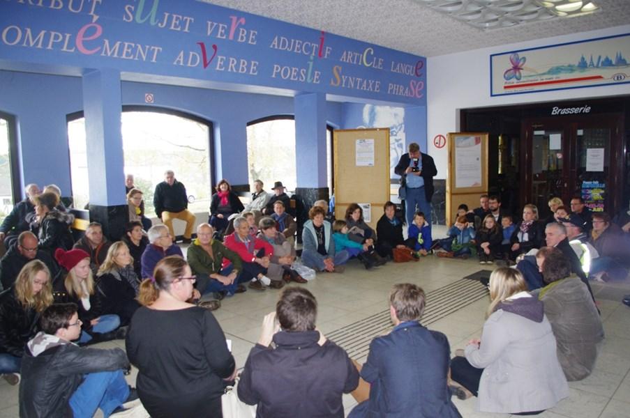 Sit-in de protestation à la gare de Marbehan